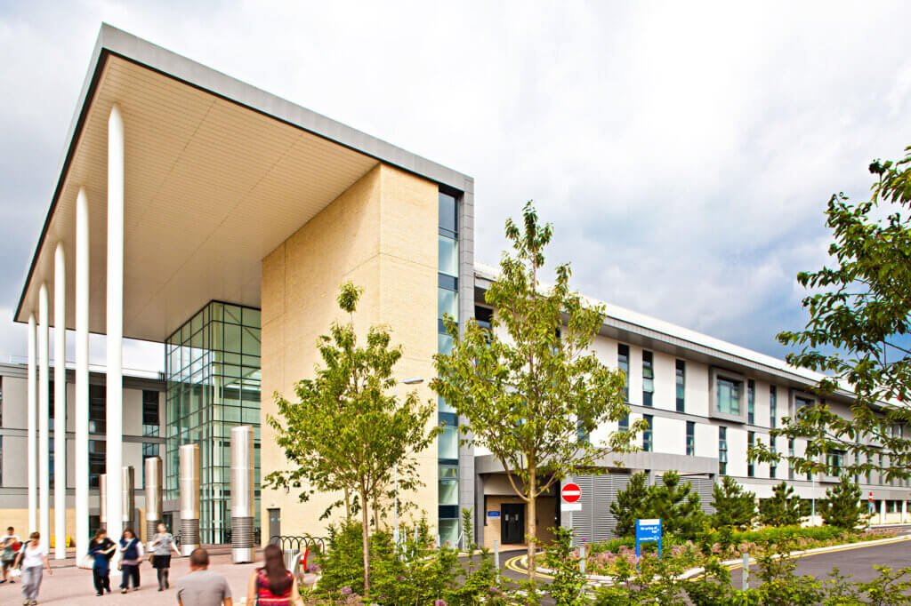 EARLY PATIENT CONTACT: As a dental student, you will gain a wide range of experience through hospital and community-based clinical placements including at Bristol Dental Hospital and at South Bristol Community Hospital, shown above.  As you progress through your dental training, you will provide primary dental care to the community under the direct supervision of a highly qualified dental teaching team.