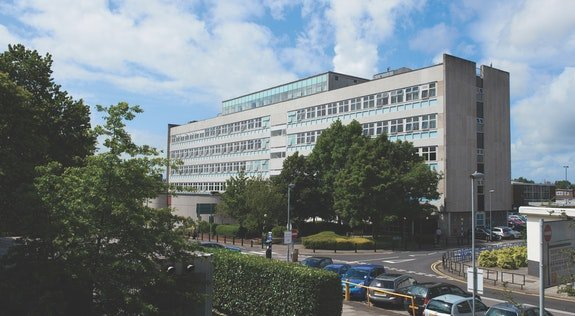 CARDIFF DENTAL SCHOOL: Cardiff is the only Dental School in Wales, meaning students will have the opportunity to experience a wide range of clinical experience in community dental clinics, district general hospitals and dedicated outreach teaching facilities, in and around Cardiff. The university is also ranked in the Top 3 for Dentistry in the UK (The Complete University Guide 2020) and Top 50 globally for Dentistry, in the 2020 QS World Rankings.